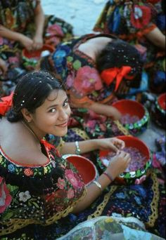 Mexico, Chiapas even with all the color her simple smile catches your attention.