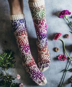 Ravelry: Siskoni mun pattern by Niina Laitinen Fair Isle Knitting, Knitting Socks, Knit Socks, Knitting Patterns Free, Free Knitting, Knitting Ideas, Rainbow Dog, Cool Socks, Awesome Socks