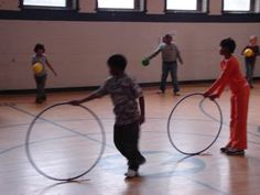Gym Games for Kids Physical Education Activities, Elementary Physical Education, Elementary Pe, Pe Activities, Health And Physical Education, Social Skills Activities, Preschool Games, Gym Games For Kids, Pe Games