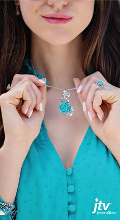 Stunning sky blues to stimulating sea greens have made turquoise one of the most popular color trends in jewelry history. Shop JTV turquoise jewelry today with free shipping on orders $49 or more.