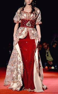 Caftan Style Oriental, Oriental Fashion, Modest Outfits, Cool Outfits, Caftan Gallery, Hijab Fashion, Fashion Dresses, Hijab Style, Moroccan Caftan