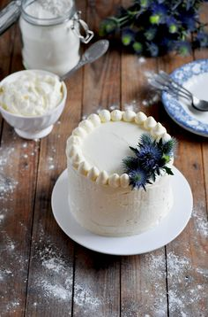 Layer cake à la vanille, glaçage au chocolat blanc | Elodie's Bakery
