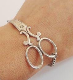 Scissor bracelet