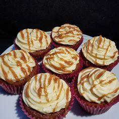 """Páči sa mi to: 6, komentáre: 0 – Božské sladké (@bozskesladke) na Instagrame: """"Banoffe cupcakes 🧁 pod lahodným krémom skrýva banánové cesto tekutý domáci karamel, ktorý vytvára…"""" Cupcake, Cheesecake, Muffin, Breakfast, Desserts, Food, Morning Coffee, Tailgate Desserts, Muffins"""