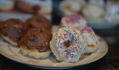 Now you can learn how to make doughnuts at home and win a copy of the book, Homemade Doughnuts by Kamal Grant. Fun Food, Good Food, Yummy Food, My Recipes, Cookie Recipes, Homemade Doughnut Recipe, Vanilla Icing, Deep Fryer, Baking With Kids