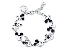 29 fun gifts that grown-up Disney and Mickey Mouse fans will love Mickey Mouse Jewelry, Mickey Mouse Outfit, Disney Jewelry, Mickey Mouse Clothes, Mickey Mouse Gifts, Minnie Mouse, Cute Disney, Disney Style, Colar Disney