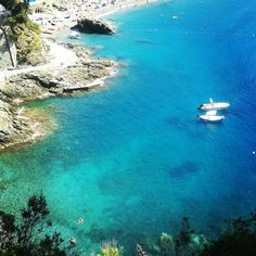 Today the #sea in #Bonassola is like that... I don't know what I mean! #CaduFerra #CinqueTerre #Visitliguria #Visitriviera #Italianriviera #Liguria #Italy www.caduferra.it