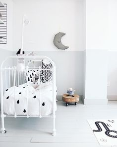 Kids Interiors is your online inspiration and shopping guide for baby nurseries, childrens rooms, bedrooms, playrooms, decor Monochrome Nursery, White Nursery, Nursery Neutral, Nursery Room, Kids Bedroom, Nursery Decor, Kids Rooms, Neutral Nurseries, Baby Rooms