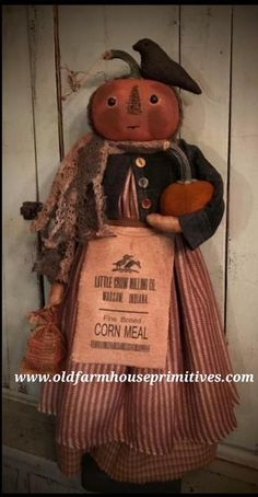 Primitive Give Thanks Fall Pumpkins Wheat and Corn Hand Painted Sign Primitive Halloween Decor, Primitive Pumpkin, Primitive Crafts, Primitive Christmas, Primitive Patterns, Halloween Doll, Fall Halloween, Halloween Crafts, Halloween Decorations