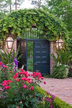 Arbor and door gate