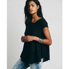 Free People Sylvie Tee Swingy TShirt with opening in the back. Free People Tops Tees - Short Sleeve