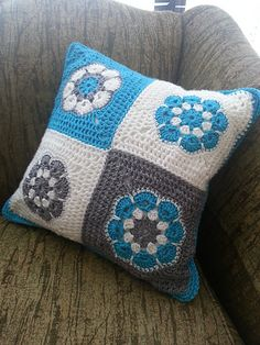 Ravelry: Project Gallery for African Flower Square pattern by Barbara Smith for color ideas and layout of color