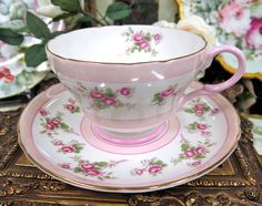 SHELLEY TEA CUP AND SAUCER PRETTY IN PINK WITH PINK ROSES IN A CHINTZ PATTERN