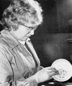 Applying underglaze transfer prints Pountney & Co. Ltd Fishponds Bristol, Mid Century, How To Apply, Explore, History, Prints, Vintage, Historia, Vintage Comics