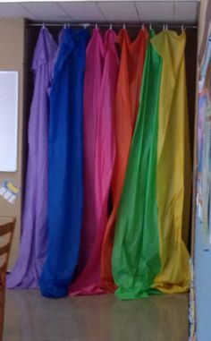 make a photo backdrop from dollar tree for $8