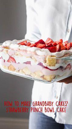 Strawberry Desserts, Easy Desserts, Delicious Desserts, Yummy Food, Angel Food Cake Desserts, Light Dessert Recipes, Strawberry Pudding, Layered Desserts, Summer Dessert Recipes