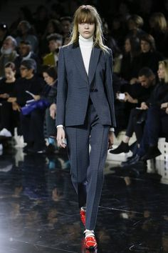 Courrèges Fall 2016 Ready-to-Wear Collection Photos - Vogue