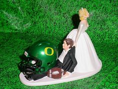 Hey, I found this really awesome Etsy listing at https://www.etsy.com/listing/202932476/oregon-ducks-football-groom-cake-fun-but