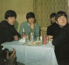 George Harrison, Paul McCartney, Richard Starkey, and John Lennon (what's for dinner?) (via FB) by pearlie Paul Mccartney, Great Bands, Cool Bands, Abc Cinema, Richard Starkey, Twist And Shout, The Fab Four, Ringo Starr, George Harrison