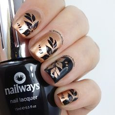 Black and Gold - Leonie's Nailart