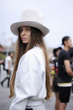 Образы гостей нью-йоркской Недели моды в деталях Vielle...
