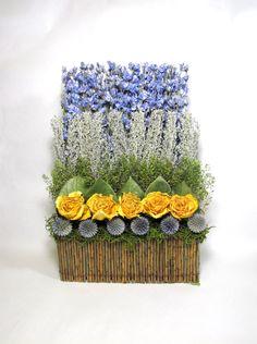 Contemporary Dried Floral Arrangement #dried_floral #dried_flowers #flower_arrangement