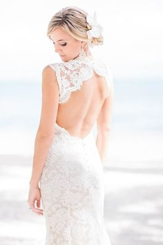 Beach Wedding Bridal Style Inspiration – 8 Looks From Real Brides | Photo by: Chris Glenn Photography