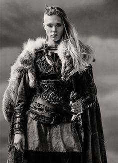Junior Shieldmaiden Þórunn (Gaia Weiss) in Vikings ....................................