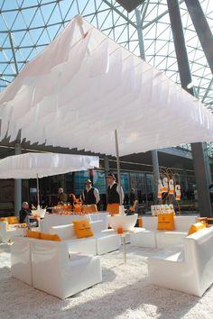 Corporate Event Design, Event Branding, Veuve Cliquot, Champagne Bar, Bubbly Bar, Pop Up Bar, Lounge Design, Decoration Design, Event Decor