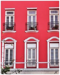 Old San Juan in red and white - Windows & doors.