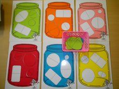 jongste kleuters: oefening op kleuren en vormen. Pillen sorteren in het juiste potje. *liestr*