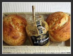 Panecillos de mostaza y parmesano