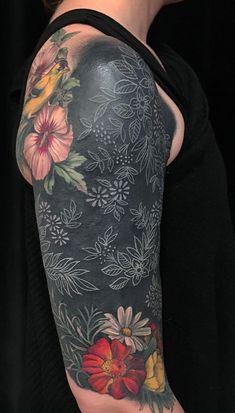 beautiful blackout tattoo ideas for women © tattoo artist Esther Garcia 💗❃💗❃💗❃💗 White Over Black Tattoo, Black Tattoo Cover Up, Black White Tattoos, Cover Tattoo, Esther Garcia, Blackout Tattoo, Cover Up Tattoos For Women, Sleeve Tattoos For Women, Best Cover Up Tattoos