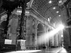 Let there be light! A natural light beam streams in from the front window St Peter's Basilica. Home Studio Photography, Self Portrait Photography, Flash Photography, Photography Tutorials, Creative Photography, Photography Studios, Inspiring Photography, Beauty Photography, Digital Photography