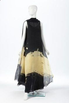 Ralph Rucci, Tunic, Camisole and Trousers, Spring 2008. Printed silk chiffon. Photo: Phoenix Art Museum
