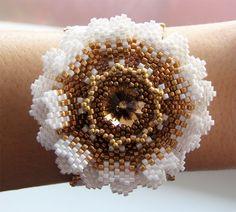 Браслет-цветок | biser.info - всё о бисере и бисерном творчестве