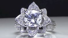The Majestic Halo Diamond Engagement Ring – Engagement Ring Styles, Designer Engagement Rings, Engagement Ring Settings, Wedding Rings Vintage, Vintage Engagement Rings, Diamond Engagement Rings, Diamond Rings, Bridal Ring Sets, Fashion Rings