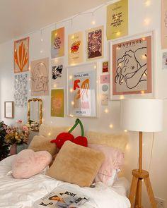 Room Design Bedroom, Room Ideas Bedroom, Bedroom Inspo, Bedroom Decor, Dorm Room Designs, Indie Room Decor, Cute Room Decor, Aesthetic Room Decor, Indie Dorm Room
