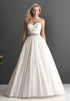 Beautiful and lots of locations Bridal Gallery  749 44th Street SE  Grand Rapids, MI      Le Salon Bridal Boutique of Birmingham  237 Willits Alley  Birmingham, MI      UNIQUE BRIDAL  971 W MIDLAND RD  AUBURN, MI          White Arbor Bridal & Formals  6877 State Road, Suite B  Saline, MI