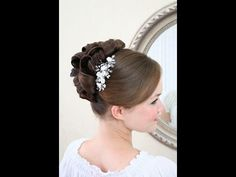 Wedding hairstyles video tutorial - traditional updo