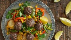 mexicain warm salad with meatballs
