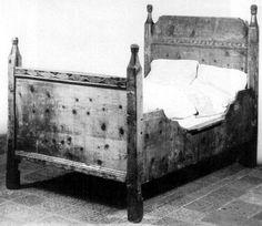 Mid-15th century German bed, Innsbruck; Photo from: Möbel Europas 1: Romanik-Gotik, Franz Windisch-Graetz. Klinkhardt & Biermann, Munchen 1982. Fig. 304