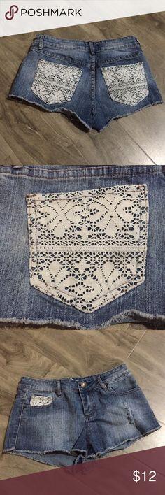 Shorts Lace shorts Forever 21 Shorts