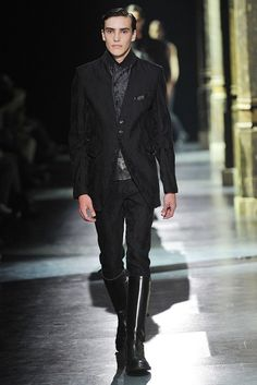 Ann Demeulemeester Spring 2011 Menswear Collection Photos - Vogue