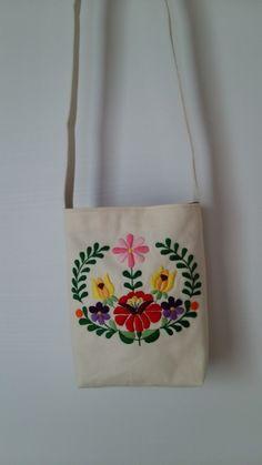 ハンガリー刺繍 * お花の小さなポシェット