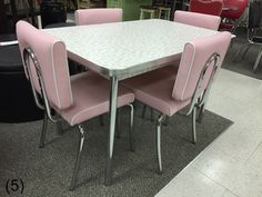 COOL Retro Dinettes | 1950's Style | Canadian Made Chrome Sets Retro Table And Chairs, Retro Kitchen Tables, Kitchen Dinette Sets, Retro Dining Rooms, Retro Dining Chairs, Kitchen Table Chairs, Vintage Kitchen, Diner Table, Kitchen Unit