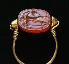 Ring : Etruscan civilization, 4th Century BC.