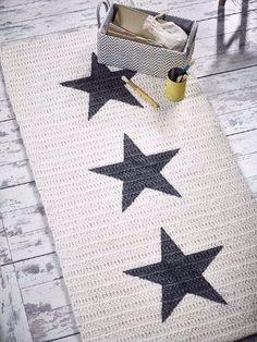 Résultat de l& des tapis trapillo rectangulaires rug Crochet Home Decor, Diy Crochet, Crochet Crafts, Crochet Projects, Crochet Woman, Crochet Rugs, Tapetes Diy, Knit Rug, Crochet Carpet