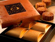 moon cake Mooncake, Luxury Packaging, Jewellery Boxes, Chocolate Box, Red Ribbon, Gifts, Food, Presents, Essen