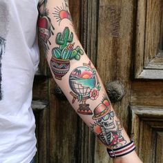 Search inspiration for an Old School tattoo. Bild Tattoos, Cute Tattoos, Beautiful Tattoos, Tattoos For Guys, Sleeve Tattoos For Women, Tattoos For Women Small, Small Tattoos, Traditional Tattoo Woman, American Traditional Tattoos